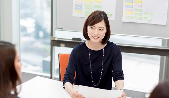 ながらキレイ開発の打ち合わせに参加中の八木沼純子さん